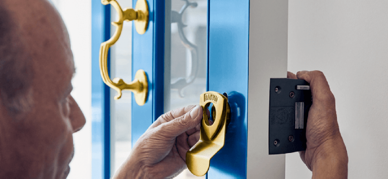Locksmith in Portsmouth - door lock maintenance